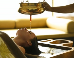 Things to do in kerala - Ayurvedic Massage