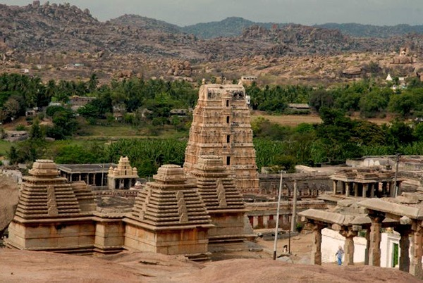 historical places to visit in india
