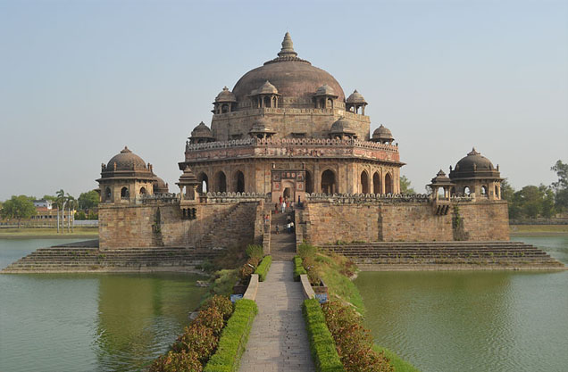Tomb of Sikandar Lodi is situated in Lodhi gardens in Delhi and was built in 1517-1518 CE